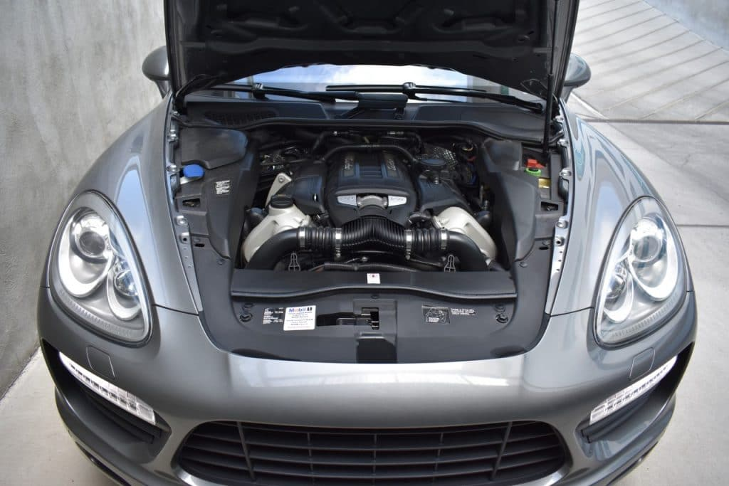 Porsche Cayenne Service Repair Inpsection Calgary bore scope scoring